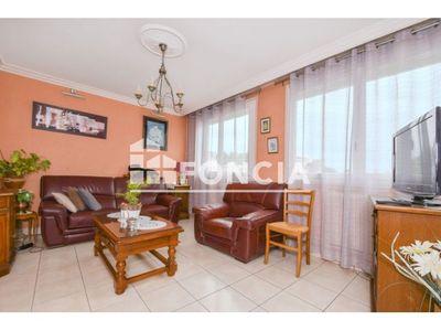Vue n°2 Appartement 4 pièces à vendre - FLEURY LES AUBRAIS (45400) - 74.96 m²