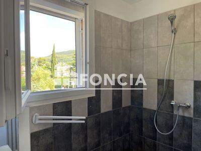 Vue n°2 Appartement 3 pièces à louer - LE CANNET DES MAURES (83340) - 62.02 m²