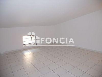 Vue n°3 Appartement 2 pièces à louer - CASTELLAR (06500) - 30.62 m²