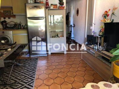 Vue n°3 Appartement 1 pièce à vendre - SAINT MANDRIER SUR MER (83430) - 29 m²