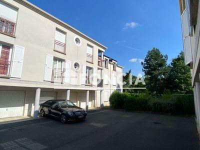 Vue n°2 Appartement 3 pièces à vendre - LIEUSAINT (77127) - 78 m²