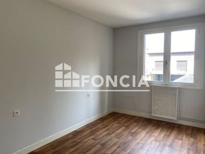 Vue n°2 Appartement 3 pièces à vendre - LOURDES (65100) - 65 m²