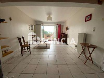 Vue n°2 Appartement 3 pièces à vendre - BILLERE (64140) - 54 m²