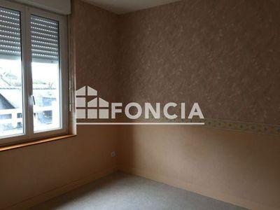 Vue n°2 Appartement 2 pièces à louer - LA CHARTRE SUR LE LOIR (72340) - 49.7 m²