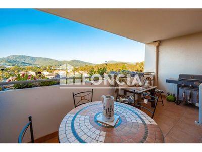Vue n°2 Appartement 3 pièces à vendre - HYERES (83400) - 66 m²