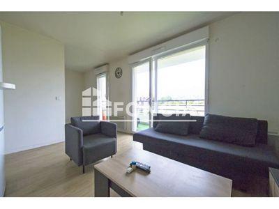 Vue n°2 Appartement 1 pièce à vendre - TRAPPES (78190) - 33 m²