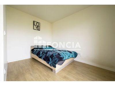 Vue n°3 Appartement 1 pièce à vendre - TRAPPES (78190) - 33 m²