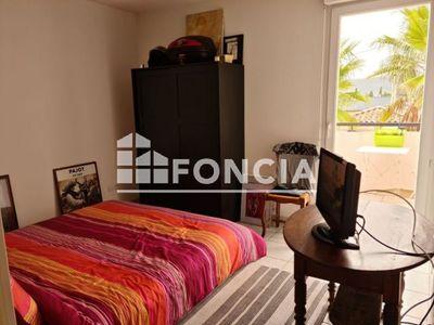 Vue n°3 Appartement 2 pièces à vendre - LE LUC (83340) - 36.65 m²